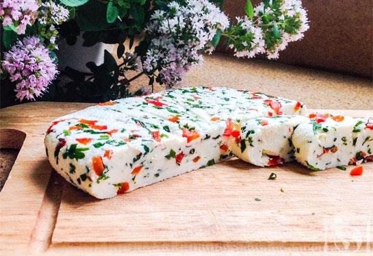 Домашний сыр «Паприка»